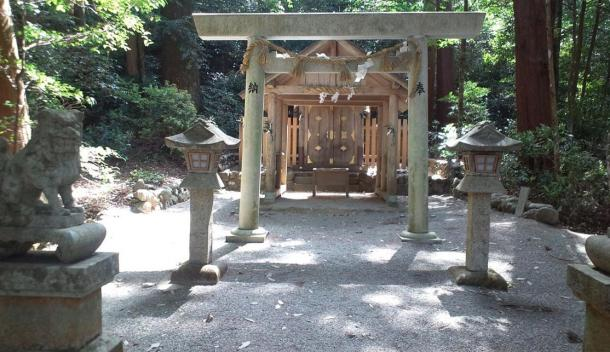 Shinto Temple Niu-Jinja, in a peaceful woodlands setting, 2013