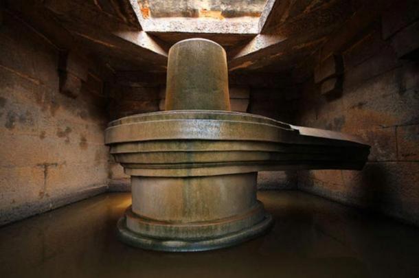 A Shiva lingam in Linga Temple near Narsimha Statue, Badavilinga Temple, India.