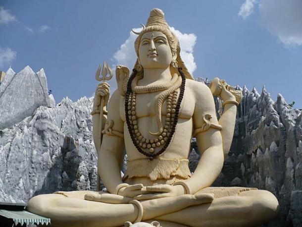 Shiva statue in Kempfort Shiv Temple, Bangalore. (CC BY SA 3.0)