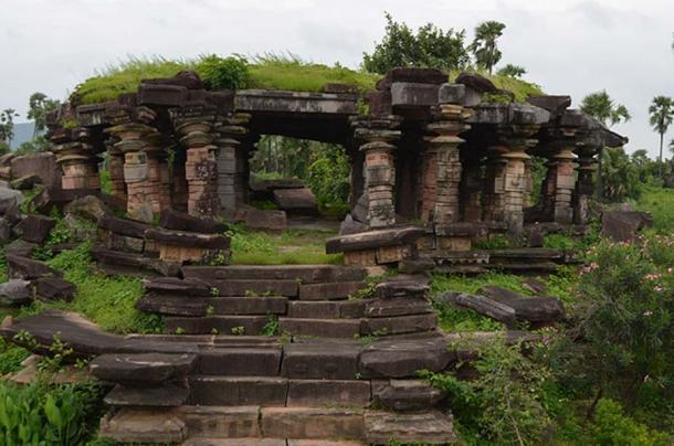 One of the many Shiva temples ruins to be found in the complex