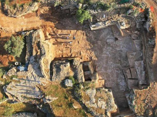 The Ramat Shlomo Quarter Jerusalem quarry discovered in 2013 also dates back to the Second Temple Period. What remains are rock masses in various stages of quarrying, and there were those that were found in a preliminary stage of rock-cutting prior to detachment. (Skyview Photography Ltd / Israel Antiquities Authority)