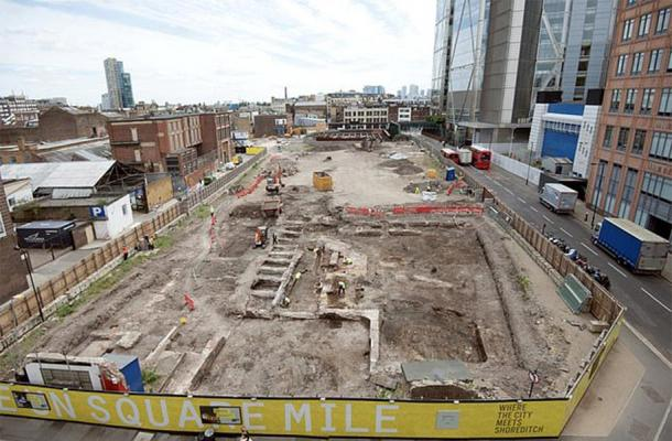 The Shoreditch excavation site, Principal Place, London. (MOLA)