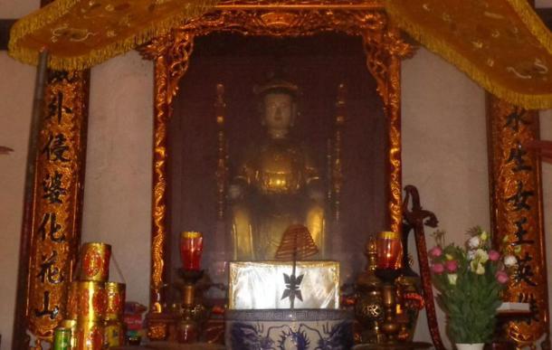 Shrine of Bà Triệu at the Bà Triệu temple, Thanh Hóa province, Vietnam.