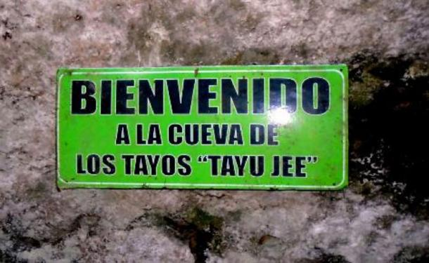 Sign marking the entrance to the Tayu Jee branch of the Tayos Caves. Photo credit: the author (2016)