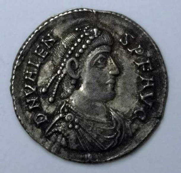 "Silver coin from the treasure. Workshop sample. Inscribed with ""D N VALENS P F AVG"" (Our Lord Valens Pious Fortunate Augustus). Minted in Siscia. (Fæ/CC BY SA 3.0)"