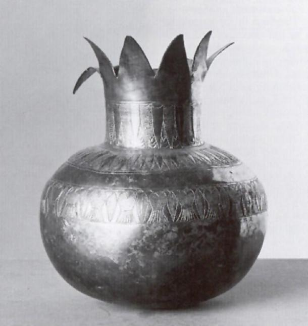 Silver pomegranate vase recovered from Tutankhamun's tomb. (Griffith Institute (Howard Carter Archive)/Touregypt.net)