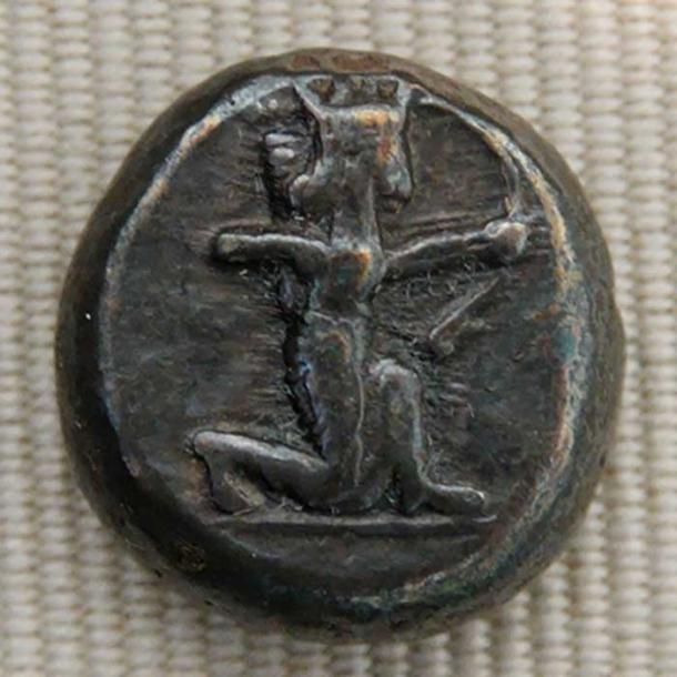 Silver shekel issued by King Darius I of Persia ca. 500–490 BC, obverse: the king of Persia firing his bow.