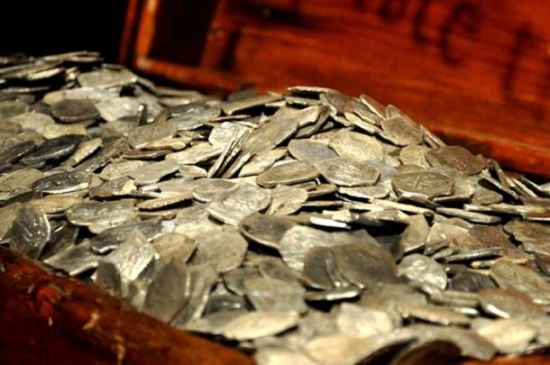 Silver recovered from the wreck of the Whydah. (Theodore Scott / Public domain)