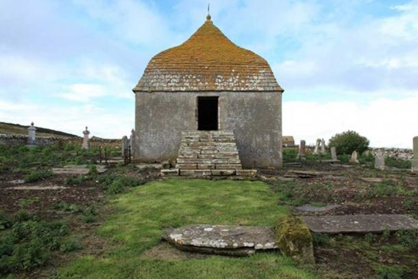 The Sinclair burial mausoleum at Ulbster is located upon the foundations of St Martin's Chapel and was built using its stones.