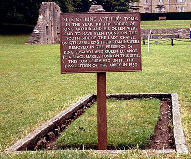 Site of what was supposed to be the grave of King Arthur and Queen Guinevere on the grounds of former Glastonbury Abbey, Somerset, UK. (Thor NL / CC BY-SA 3.0)​​SML