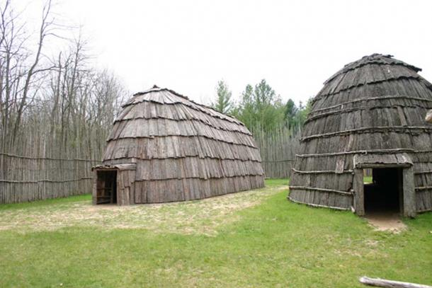 Ska-Nah-Doht, established in 1973, depicts a typical Iroquois/Haudenosaunee settlement from 1,000 years ago, based on archaeological data and oral tradition