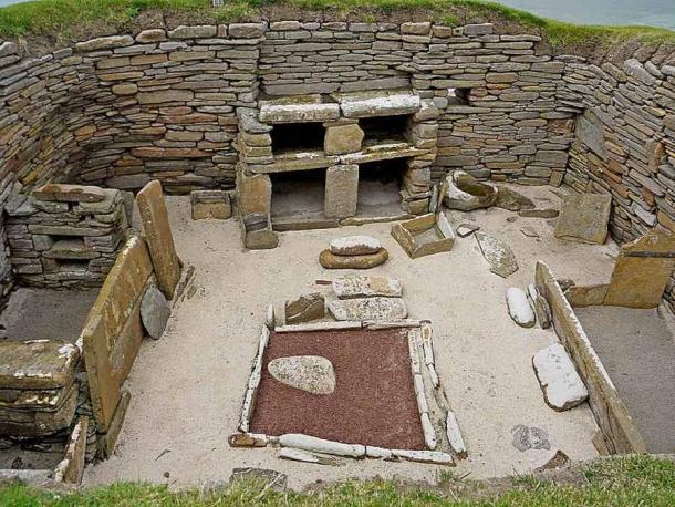 Interior of a dwelling at Skara Brae (Daniel Bordeleau / CC BY-SA 4.0)