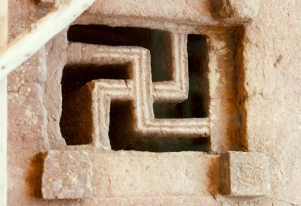 Skastika symbol in the window of Lalibela Rock hewn churches. (CC BY 3.0)