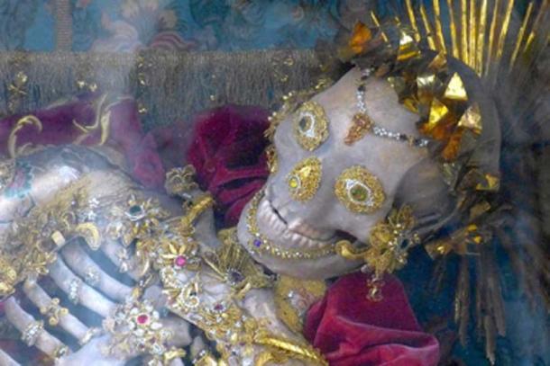 Skeleton of the Catacomb Saint – St. Innocentius. (Neitram / CC BY-SA 4.0)