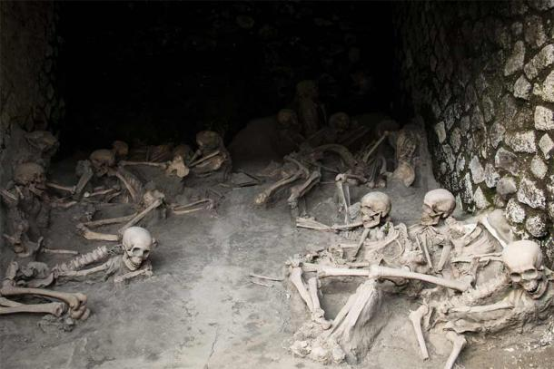 Skeletons of victims in Herculaneum that perished because of the Mount Vesuvius eruption in 79 AD. (waldorf27 / Adobe Stock)