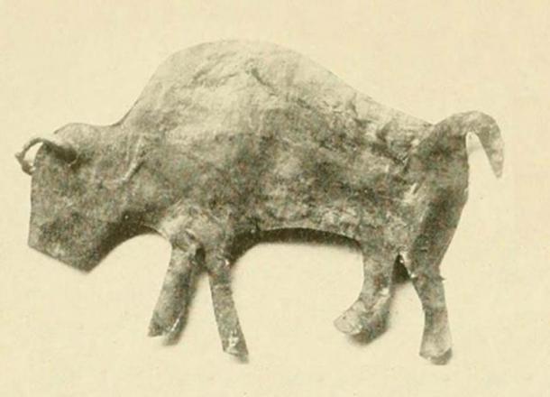 Skin effigy of a Buffalo used in the Lakota Sun Dance. (Public Domain)