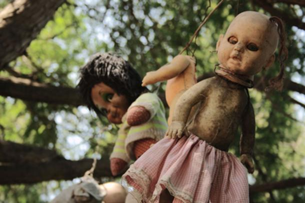 Some of the dolls from Santana Barrera's chinampa – the Island of Dolls in Mexico. Photo source: FlickreviewR / CC BY-SA 2.0.