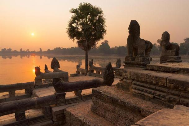 The Srah Srang reservoir site at sunset, Angkor Archaeological Park, Cambodia. (steph photographies /Adobe Stock)