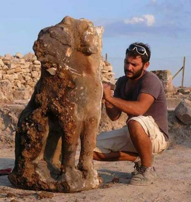 Statue of Cerberus, the mythical hellhound guardian, found at Hierapolis, Turkey.