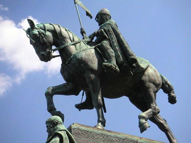 Statue of St. Wenceslas in Wenceslas Square. Sculpture by Josef Václav Myslbek. (CC BY SA 3.0)