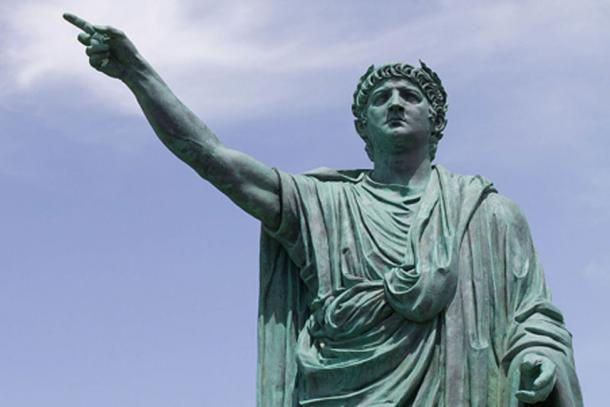 Statue of The Roman Emperor Nero by Claudio Valenti, Anzio (anc. Antium) Italy. (CC BY SA 2.0)