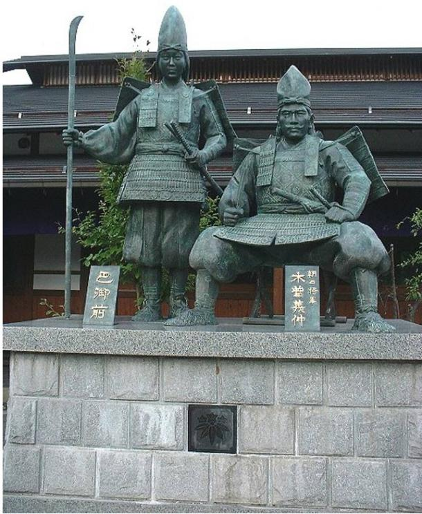 Statue of Tomoe Gozen and Yoshinaka together, Yoshinaka Museum, Japan.