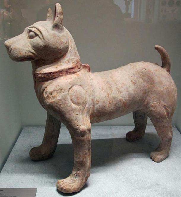 Statue of a dog from the Later Han Dynasty.