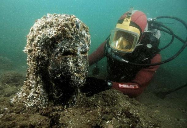 Statue being uncovered during the underwater mission, Alexandria, Egypt (IMGUR)