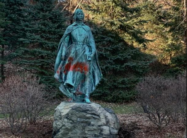 A statue and other monuments were also sprayed. (Image: Turn to 10)
