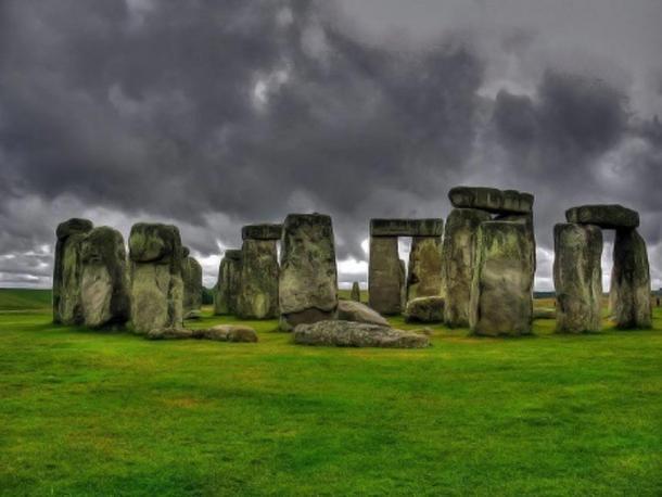 Stonehenge, prehistoric monument located in Wiltshire, England.