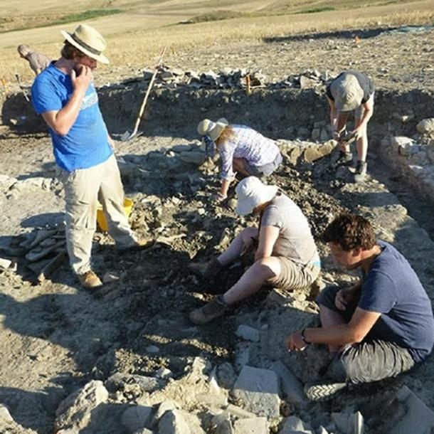 Students excavating the Roman vicus at Vagnari, Italy.