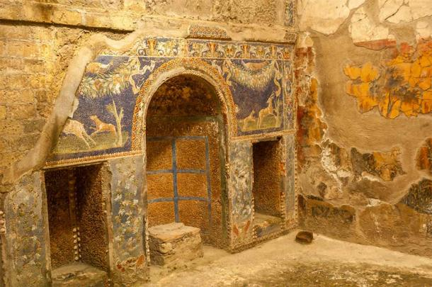 Stunning paintings found in Herculaneum attest to its Roman luxury seaside retreat reputation. (milosk50 / Adobe Stock)