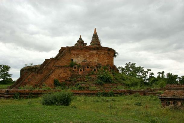 Stupa ruins