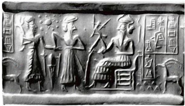 A Sumerian cylinder seal dated c.2500 BC from the Vorderasiatisches Museum in Berlin. (zeevveez/CC BY 2.0) The seal is decorated with celestial symbols probably showing the sun surrounded by the planets.