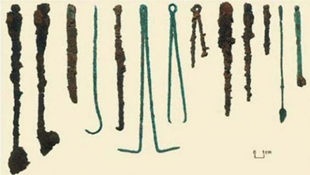 Surgical tools found in the Colchester druid burial. ( Public Domain )