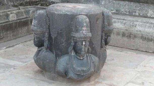 The Swayambhu Shivalinga that purportedly revealed itself prompting the erecting of the temple