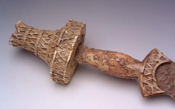 Sword hilt from the Hallstatt culture of Iberia, 7th century. (Carmen Löw / CC BY-SA 3.0)