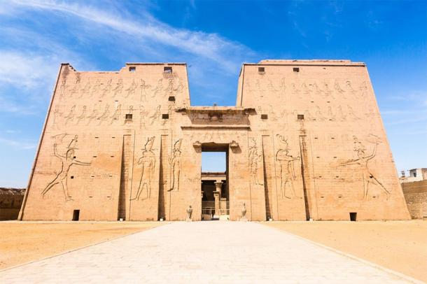 Temple of Edfu, dedicated to the ancient Egyptian god Horus, where inscriptions point to evidence of mystery schools in Egypt. (marabelo / Adobe stock)