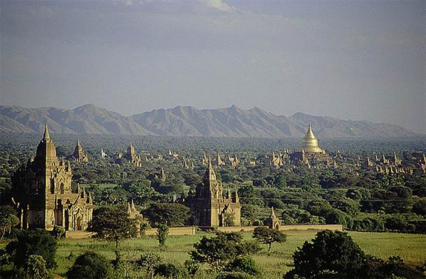 Temples in Bagan, Myanmar. (CC BY 2.0)