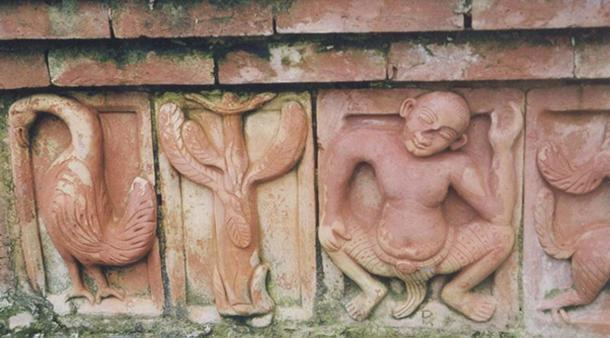 Terracotta relics at Somapura Mahavihara (CC BY 3.0)