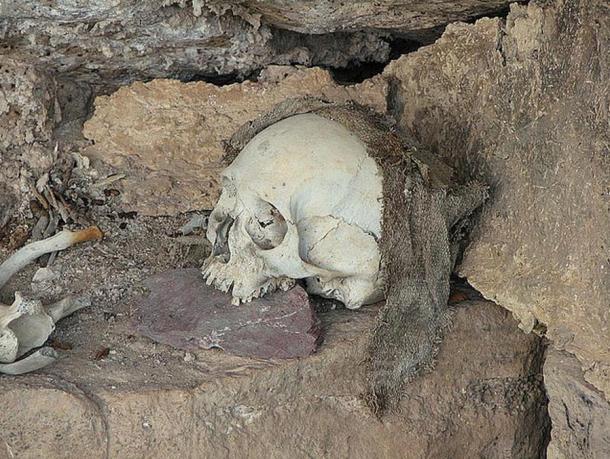 Textiles and human remains, Peru.