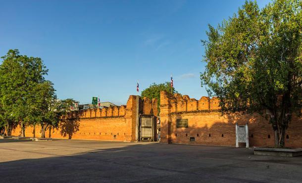 Tha Phae Gate of the city wall, Chiang Mai, Thailand. (CC BY-SA 3.0)