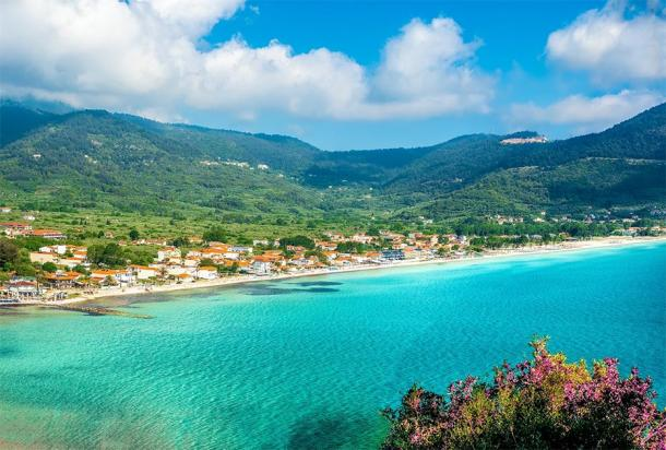 Modern day Thasos where the skeletal remains with evidence of early complex brain surgery were found. (Balate Dorin / Adobe stock)