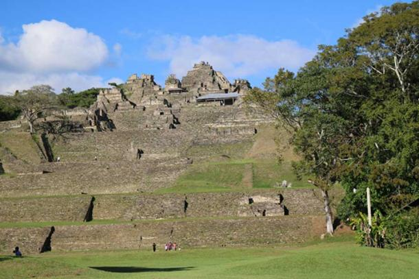 The Acropolis of Toniná is the largest in the Maya world and was meant to symbolize the cosmic mountain, including a labyrinth of chambers and hollowed passageways at its base meant to symbolize the dark Underworld. (Photo: ©Marco M. Vigato)