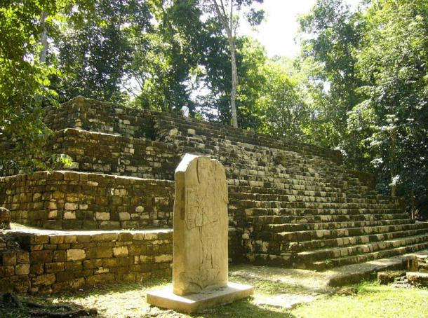 The Aguateca plaza with a stele and relief and a step pyramid