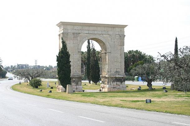 The Arch of Bará, north of Tarragona, was also on the Via Augusta. (CC BY SA 3.0)