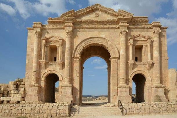 The Arch of Hadrian, at the Southern entrance of Jerash, in Jordan. (CC BY-SA 3.0)