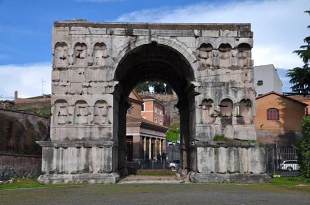 The Arch of Janus a quadrifrons triumphal arch in Rome. (lucazzitto / Adobe)