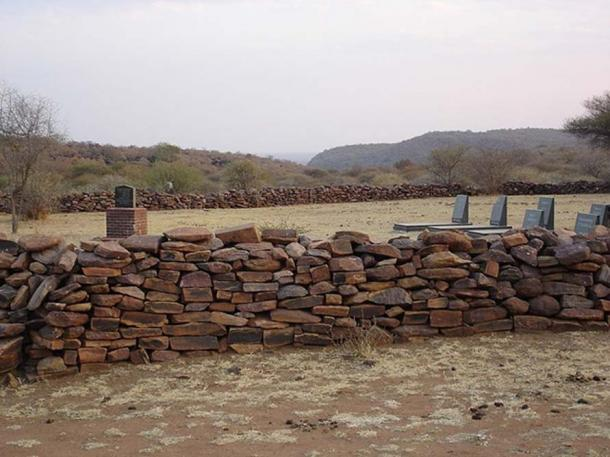 The Bakwena Royal Cemetery located at Ntsweng in Molepolole. Historically it was the royal kraal until the tribe relocated to the current settlement in Molepolole in 1937. (Lerotsi/CC BY SA 3.0)