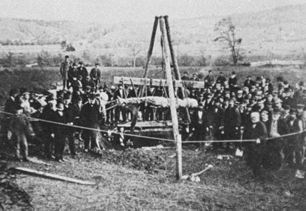 The Cardiff Giant being exhumed in October 1869. (Public Domain)